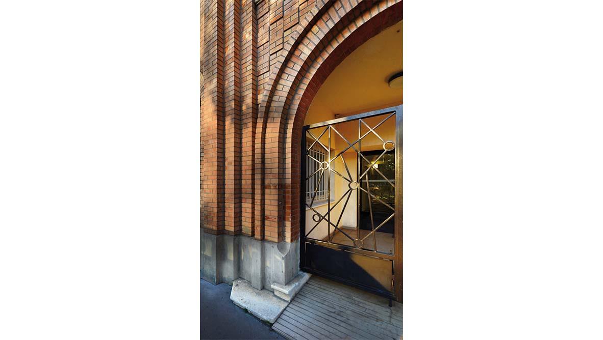 Maison relais Porte entrée