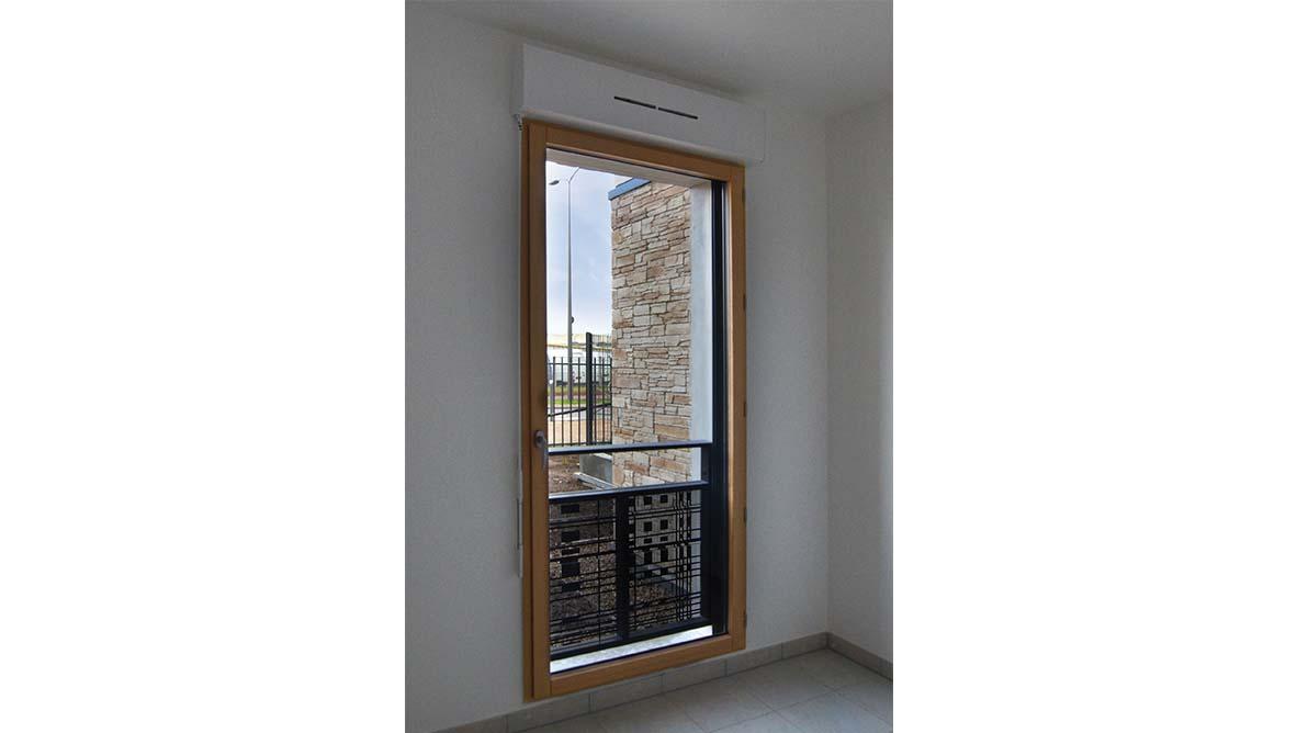 Intérieur appartement fenêtre